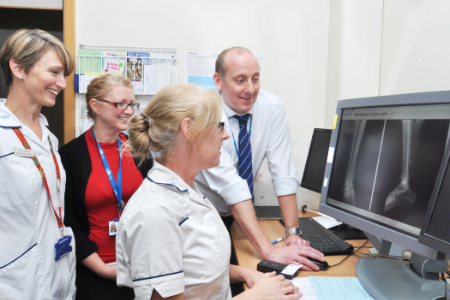 Poole Hospital goes 'virtual' with new fracture clinic